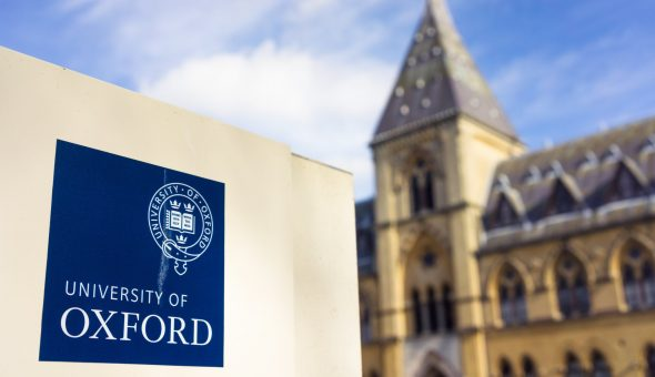 Photo of logo and campus of Oxford University.